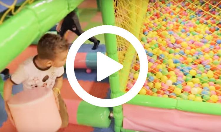 Vaikų gimtadienis žaidimų kambaryje